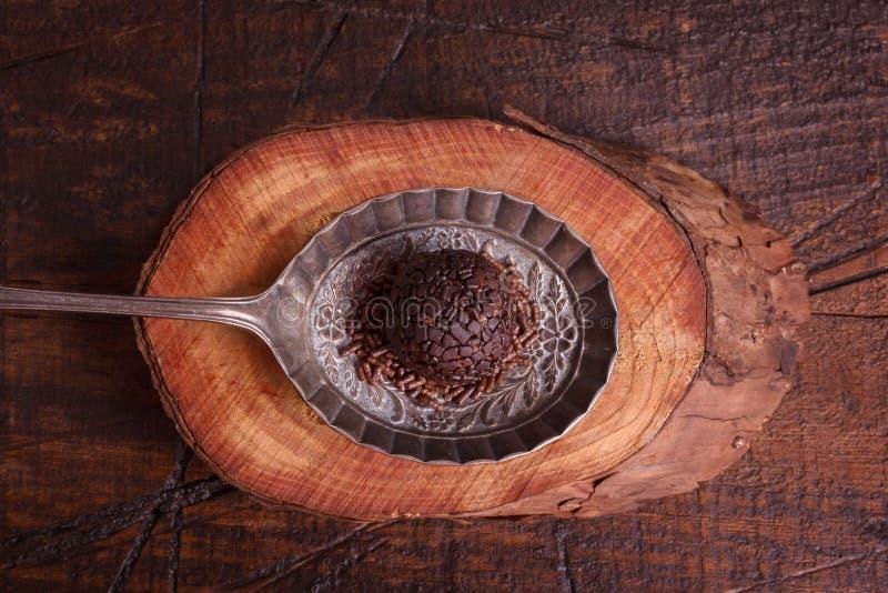 Brasilianisches Schokoladentrüffel-Bonbon brigadeiro lizenzfreie stockfotografie