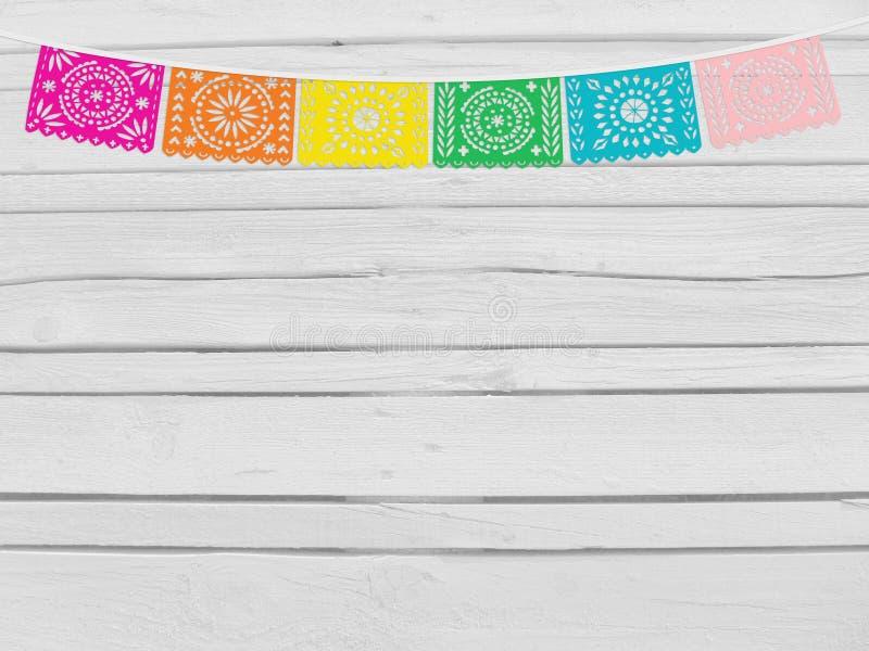 Brasilianjuni parti, festajuninamodell Dekorativ plats för födelsedag Rad av handgjorda snittpappersflaggor tomma exponeringsglas arkivbilder