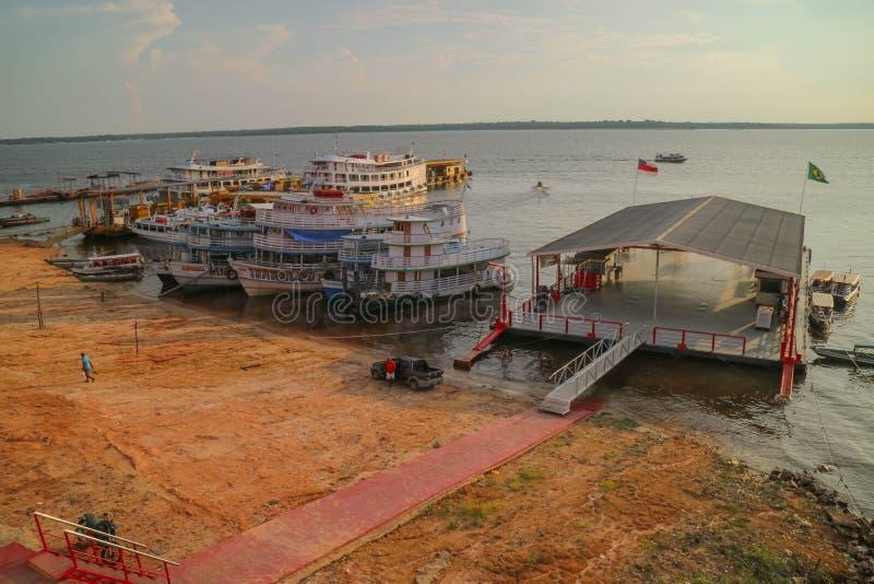 Brasilien-Fähren im Regenwald Amazonas-Gebiet lizenzfreies stockfoto