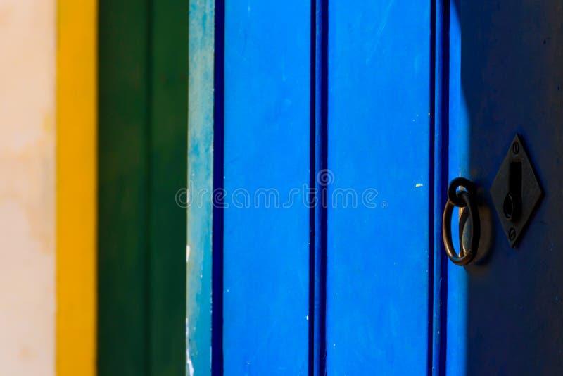 Brasilien-Farben bei Paraty stockbilder