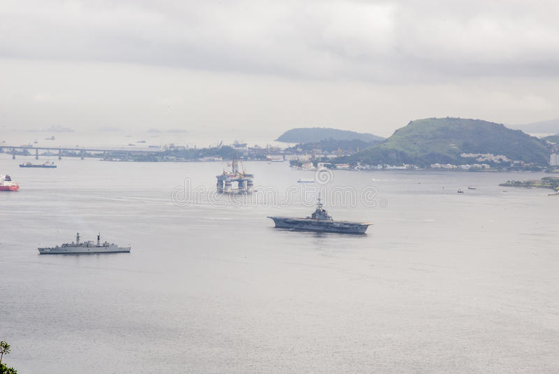 Brasilien - olje- Rig In Guanabara Bay - Rio de Janeiro royaltyfri bild