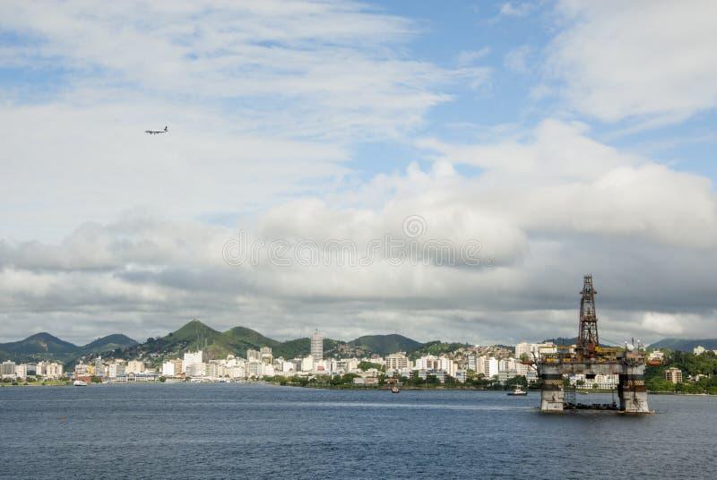 Brasilien - olje- Rig In Guanabara Bay - Rio de Janeiro royaltyfria foton