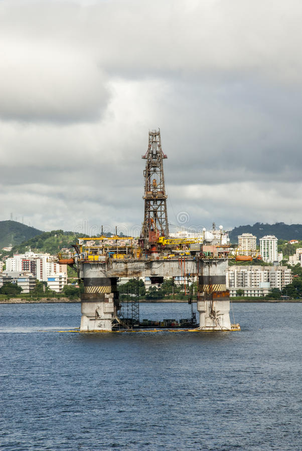 Brasilien - olje- Rig In Guanabara Bay - Rio de Janeiro arkivbilder