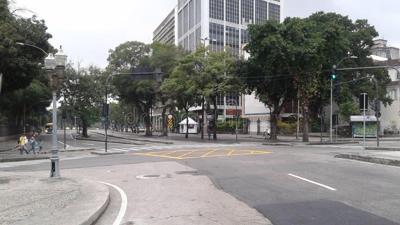 Brasilien - Rio de Janeiro - Stadtzentrum - Republica tun Sie Paraguai-Allee - Bäume - Stadt - Park - Lapa lizenzfreie stockfotos