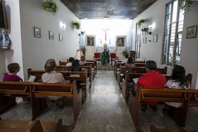 Brasilien - San Paolo - ONGEN Sermig - katolsk mass för voluntaryes fotografering för bildbyråer