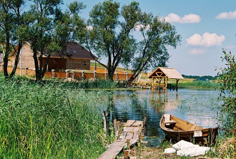 Braslav, BIELORRÚSSIA - 25 de julho de 2008: A natureza a mais bonita dos lagos Braslav fotografia de stock