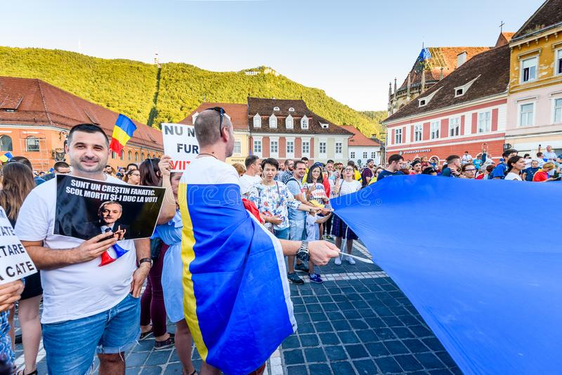 brasov中心城市老罗马尼亚 从海外的罗马尼亚人抗议反对gover 库存照片