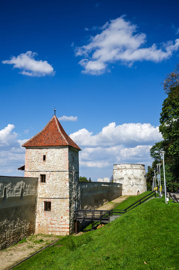 Brasov, ενισχυμένη πόλη Ρουμανία στοκ εικόνα με δικαίωμα ελεύθερης χρήσης