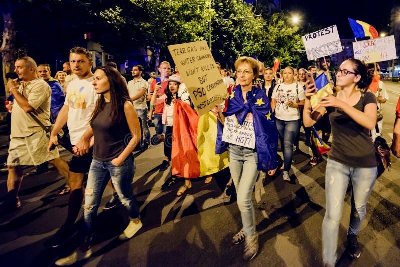 brasov κεντρική πόλη παλαιά Ρου&m Ρουμάνοι διαμαρτύρονται ενάντια στο gover στοκ φωτογραφία