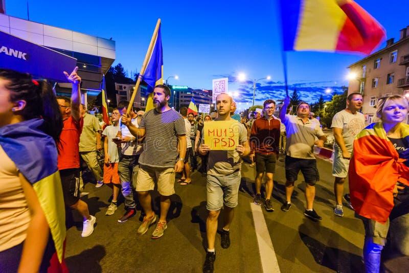 brasov κεντρική πόλη παλαιά Ρου&m Ρουμάνοι διαμαρτύρονται ενάντια στο gover στοκ φωτογραφίες με δικαίωμα ελεύθερης χρήσης