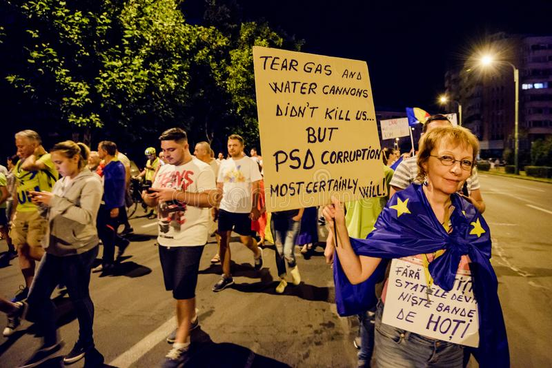 brasov κεντρική πόλη παλαιά Ρου&m Ρουμάνοι διαμαρτύρονται ενάντια στο gover στοκ εικόνα