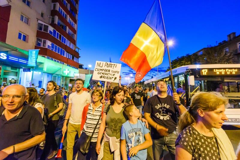 brasov κεντρική πόλη παλαιά Ρου&m Ρουμάνοι διαμαρτύρονται ενάντια στο gover στοκ εικόνα με δικαίωμα ελεύθερης χρήσης