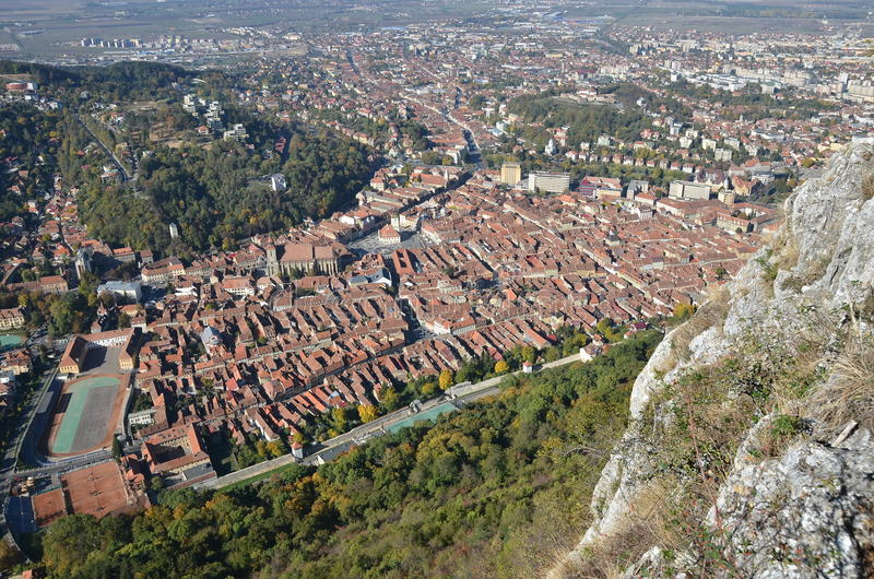 Brasov, Румыния, взгляд от горы Тампа стоковое фото rf
