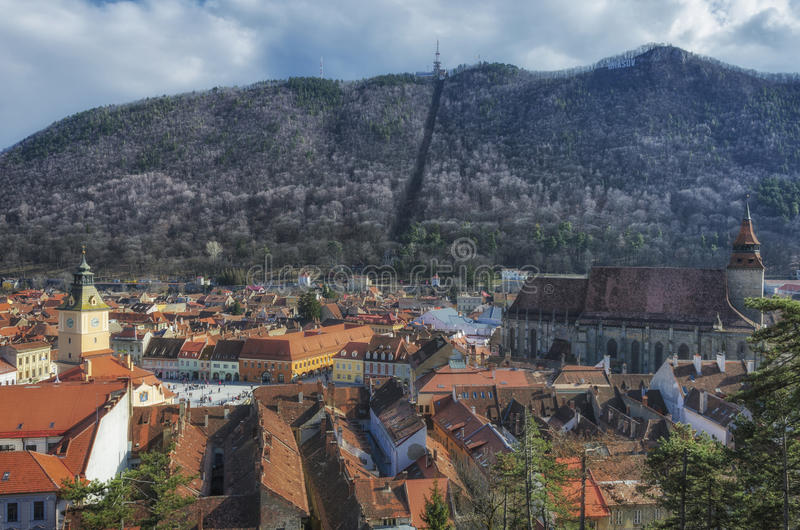 Brasov panoramautsikt arkivbilder