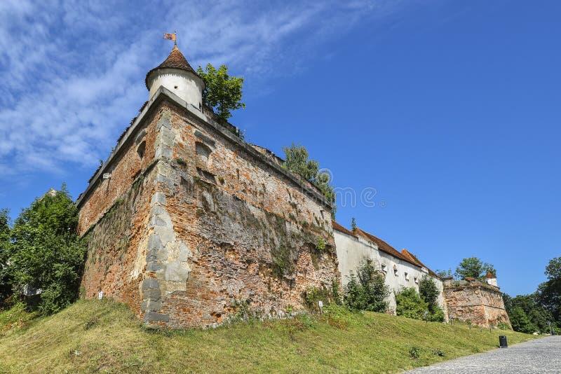 Brasov, Roemenië - 20 juli 2019: Brasov Citadel, Roemenië royalty-vrije stock fotografie