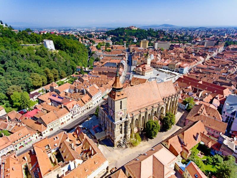 Brasov Romania la vista aerea della chiesa nera fotografia stock libera da diritti