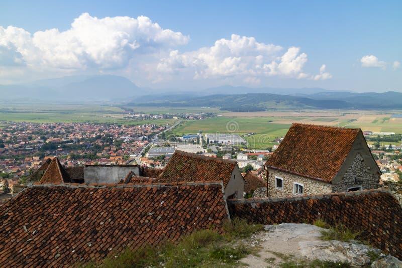 Brasov, Rumania, según lo visto del castillo de Rasnov imagen de archivo libre de regalías