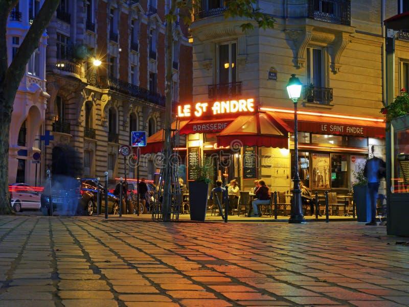Brasserie στα λατινικά Quartier, Παρίσι - πολιτισμός καφέδων στοκ εικόνες με δικαίωμα ελεύθερης χρήσης