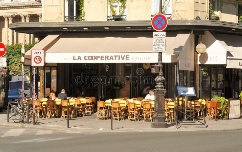 Brasserie στο Παρίσι, Γαλλία στοκ φωτογραφία