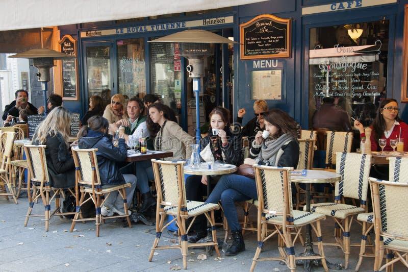 Brasserie i Paris arkivfoton