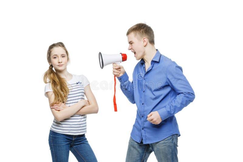 Brat krzyczy przy siostrą obraz royalty free