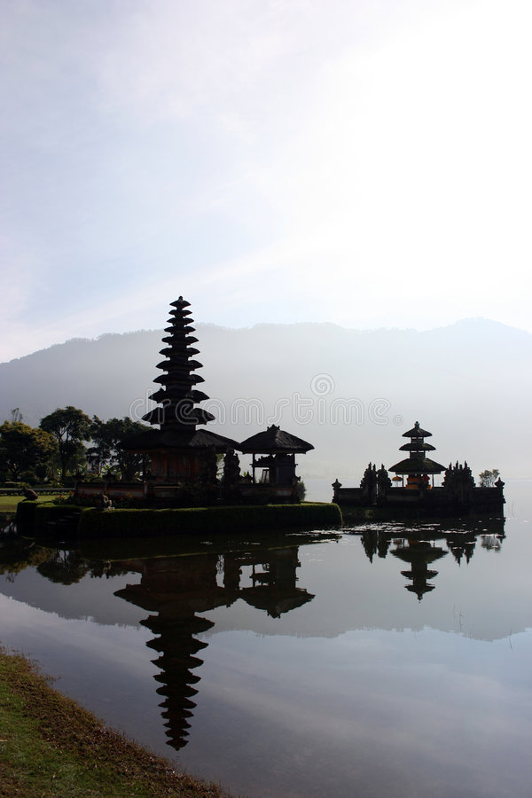 bratan湖寺庙 库存图片