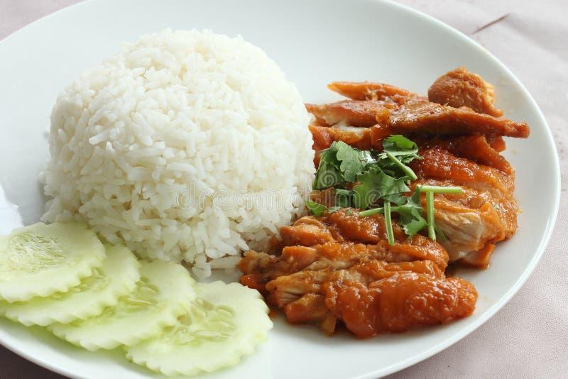 Brathähnchen mit Reis lizenzfreies stockbild