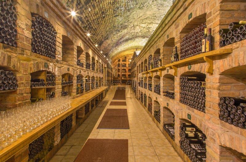 Bratislava - callar Binnenland van wijn en archief stock foto