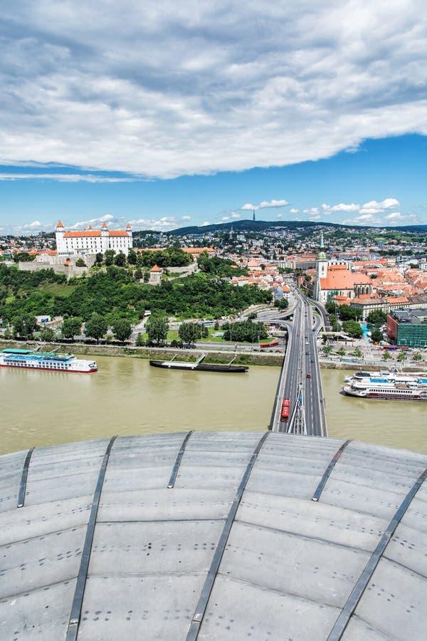 Bratislava - de hoofdstad van Slowakije met mooi kasteel, royalty-vrije stock fotografie