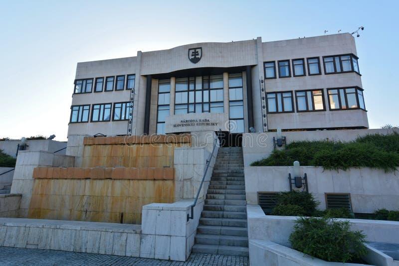 Bratislava - el Consejo Nacional, el parlamento foto de archivo
