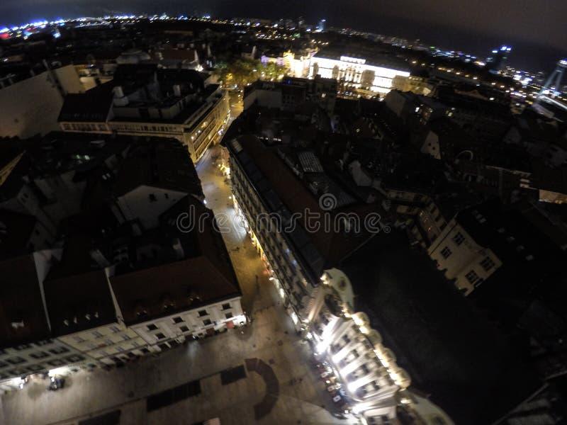 Bratislava entro la notte fotografie stock