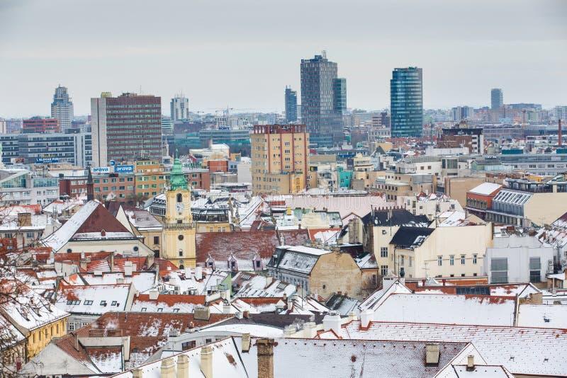 Bratislava, Eslovaquia - 24 de enero de 2016: Vista de la ciudad imagenes de archivo
