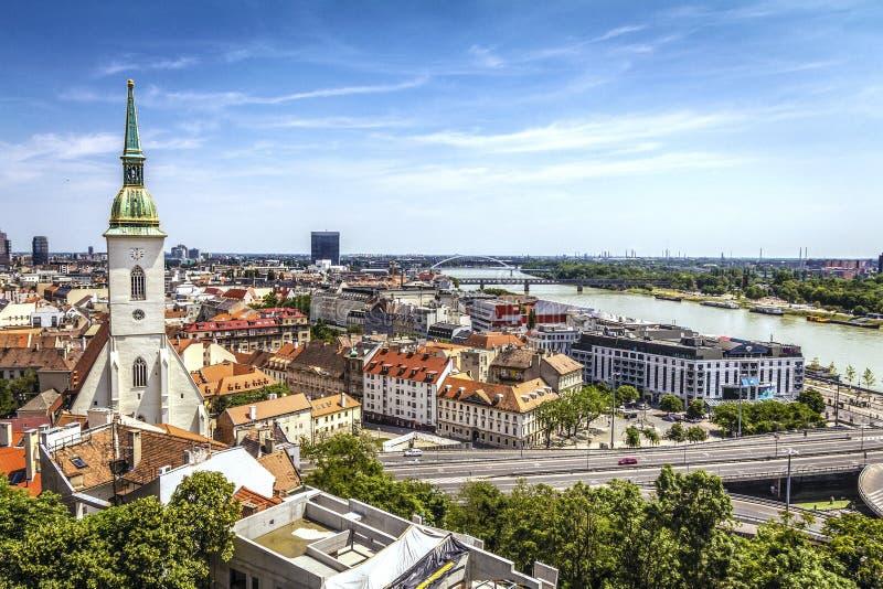 Bratislava horisont arkivbild