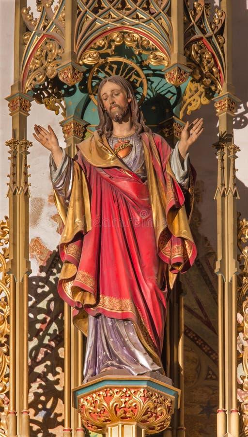 BRATISLAVA SISTANI, STYCZEŃ, - 14, 2014: Serce jezus chrystus Rzeźbiąca statua od 19 cent zdjęcia royalty free