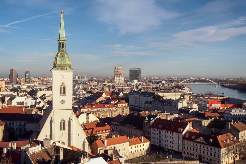 Bratislava-Skyline stockbilder