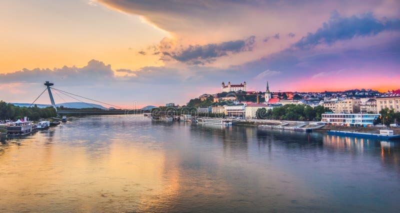 Bratislava-Skyline lizenzfreie stockfotografie