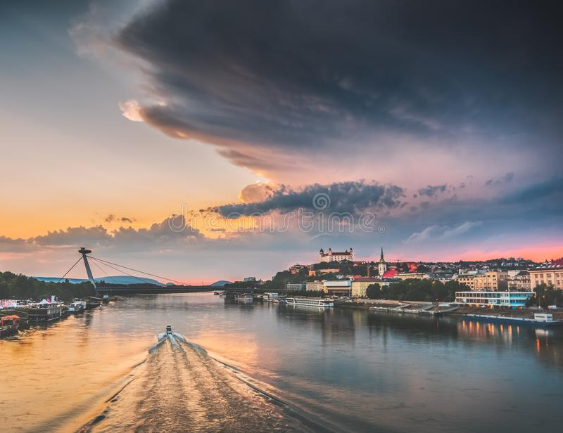 Bratislava-Skyline stockfotografie