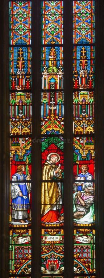 BRATISLAVA, SLOVACCHIA - 14 GENNAIO 2014: Cardinale Charles Borromeo del san sul vetro da 19 centesimo immagini stock