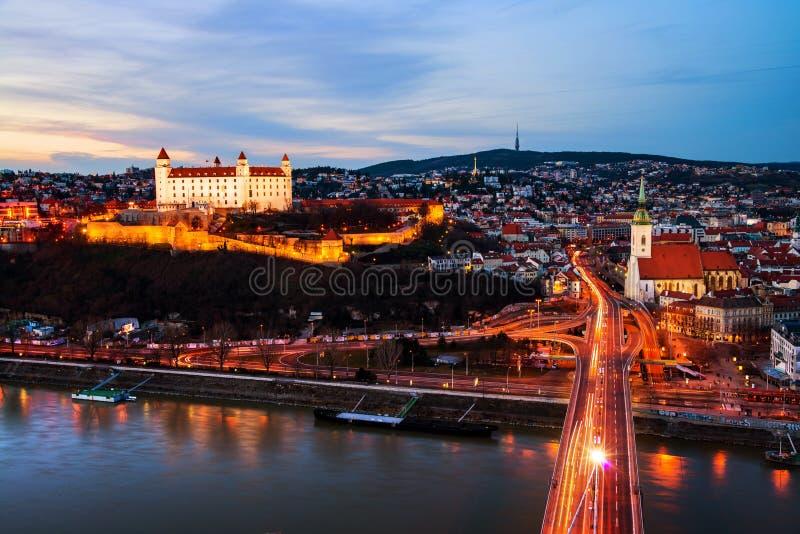 bratislava slovakia Flyg- sikt av slotten royaltyfri bild