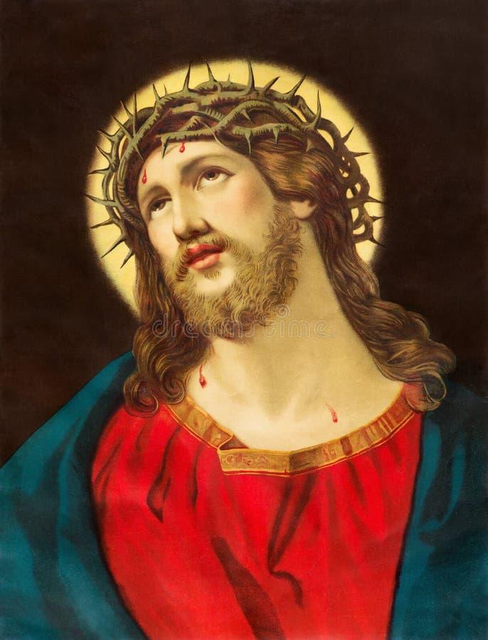 BRATISLAVA, SLOWAKIJE, NOVEMBER - 11, 2017: Typisch katholiek beeld van Jesus Christ met de kroon stock foto's