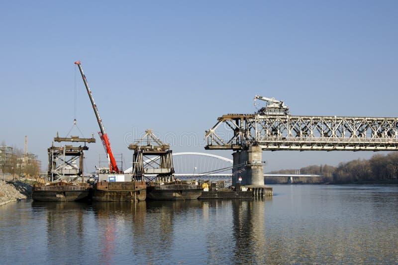 A Bratislava Stary a maioria de ponte que desmonta foto de stock royalty free