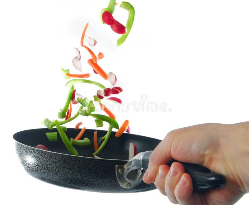 Bratpfanne und Veggies stockbild