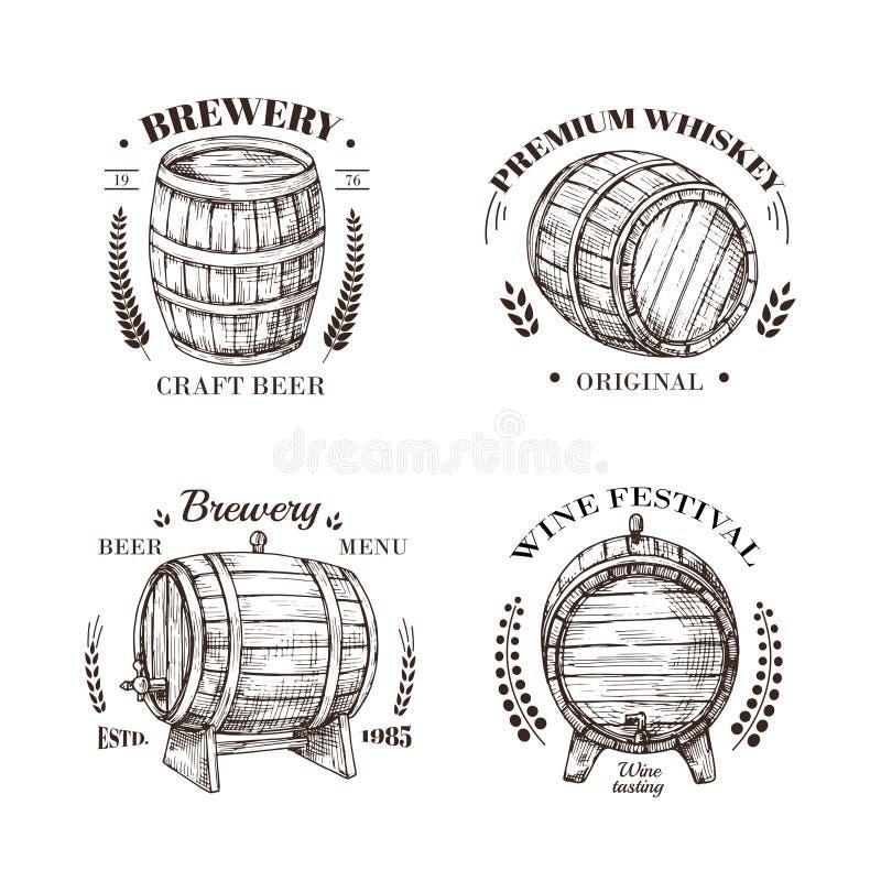 Brauereiemblem Fass Bier- und Wein-, Whisky- und Weinbrandskizzenvektor-Weinleseaufkleber mit hölzerner Tonne und lizenzfreie abbildung