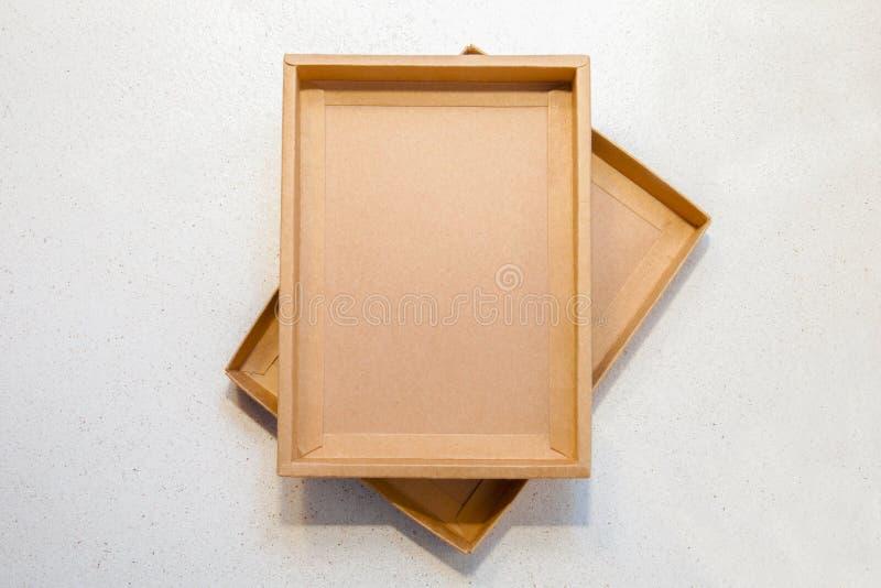 Brauner Kasten des Kraftpapiers lizenzfreie stockbilder