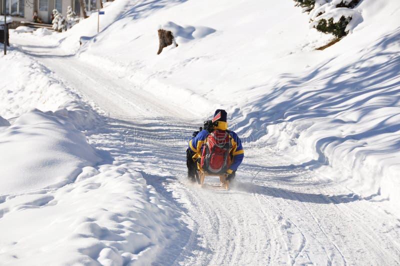 Download Braunwald, Zwitserse Het Ski?en Toevlucht Stock Foto - Afbeelding bestaande uit vorst, europa: 29505852