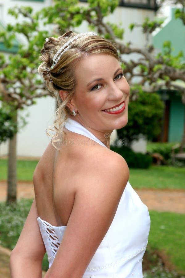 Braut über Schulter stockfotografie
