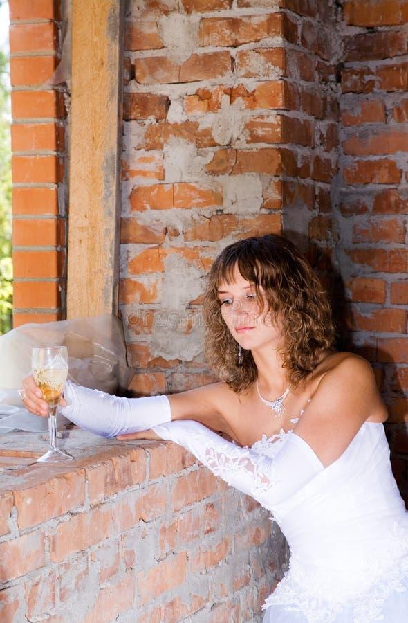 Braut in der Baustelle lizenzfreie stockfotografie