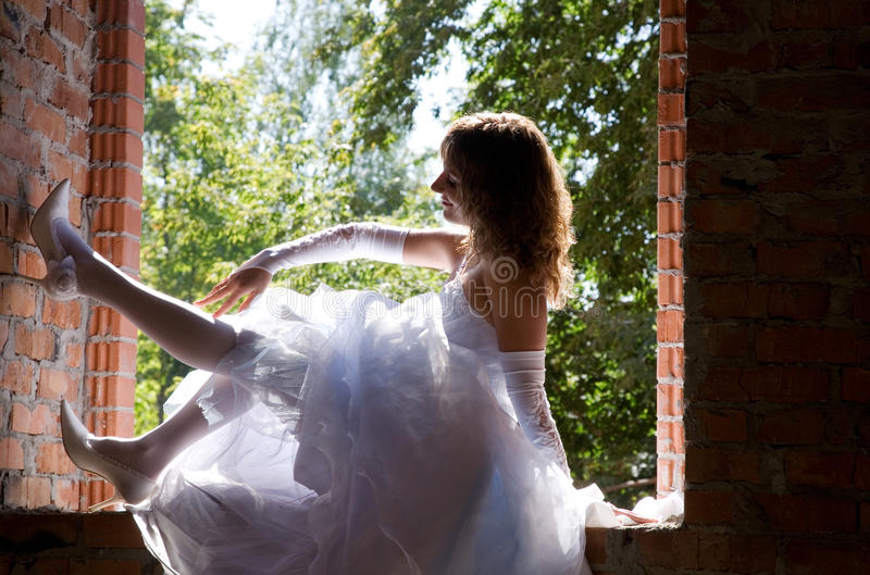 Braut in der Baustelle stockfotografie
