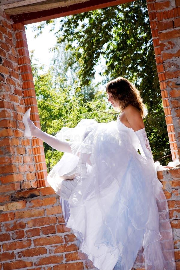 Braut in der Baustelle lizenzfreies stockfoto