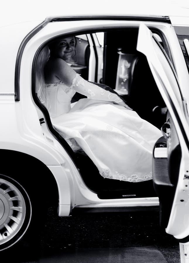 Braut In Einer Limousine Lizenzfreie Stockbilder